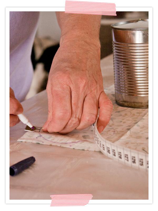 Dann eine Nahtzugabe von 1cm aufzeichnen