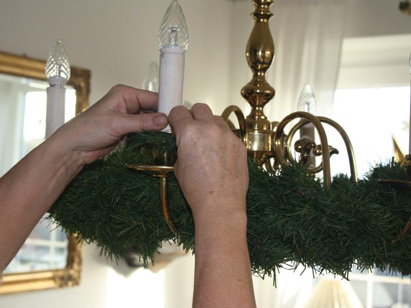 advent advent ein kronleuchter verkleidet sich. Black Bedroom Furniture Sets. Home Design Ideas