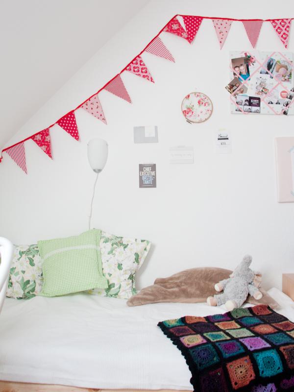 inspiration naehzimmer fotos und ein toller ordnungshelfer von bisley cozy and cuddly. Black Bedroom Furniture Sets. Home Design Ideas