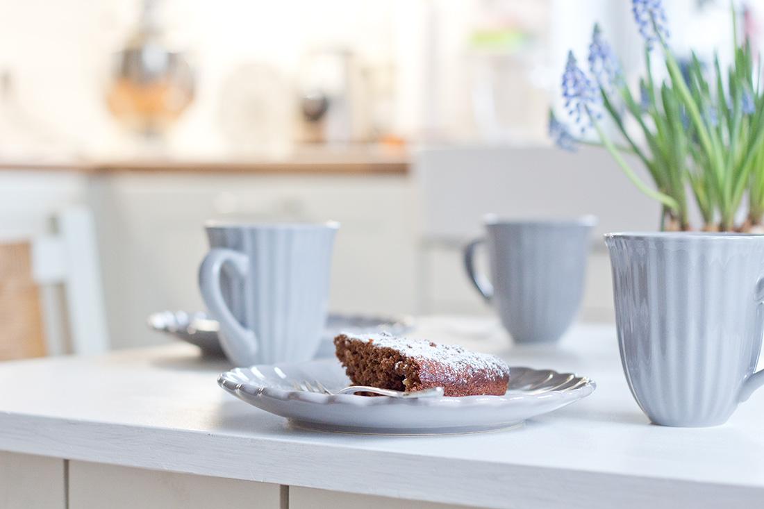 Veganer Schokokuchen für Genießer: Chia-Samen Brownietarte | cozy ...