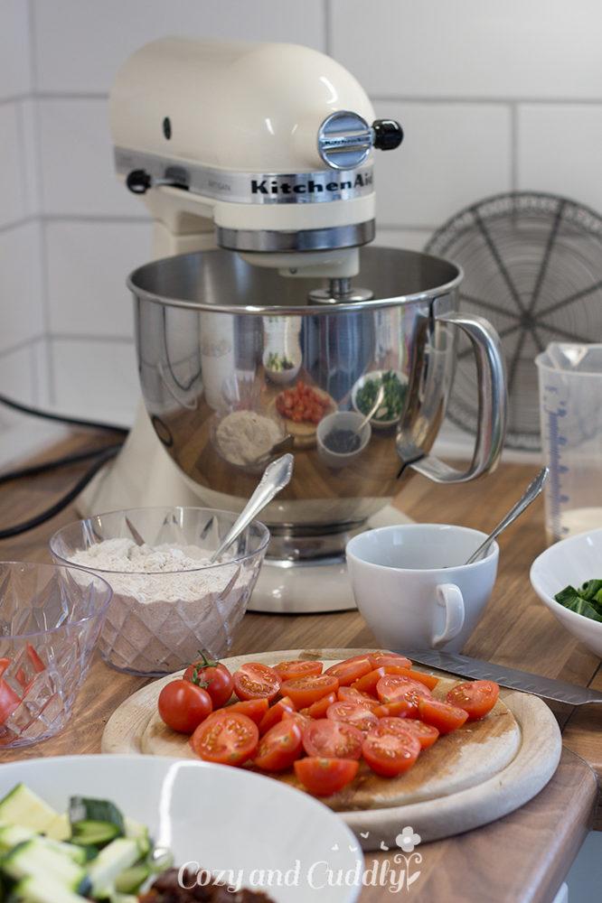 Vegane Gemüse-Quiche - Rezept mit mit Mangold, Tomaten und Zucchini  6