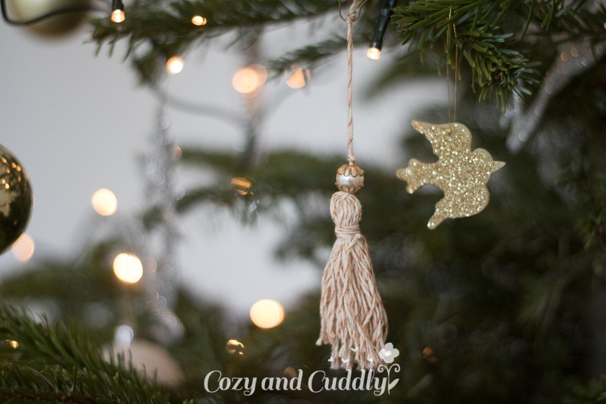 advent quasten aus bcker garn als christbaumschmuck cozy and cuddly adventskalender - Christbaumschmuck 2015
